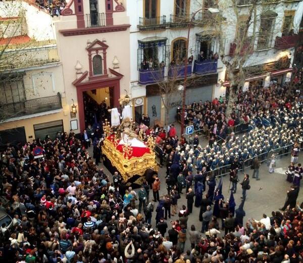 """EP –  Sevilla cierra una Semana Santa """"plena""""."""