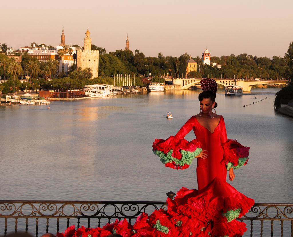 Turismo de compras y sanitario, la apuesta de Sevilla en Fitur